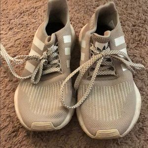 Khaki adidas swift runs